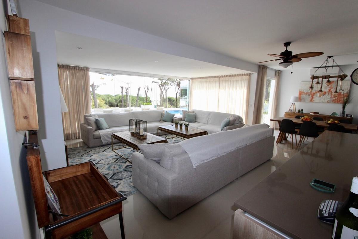Villa con 11 Dormitorios en Venta Marbesa