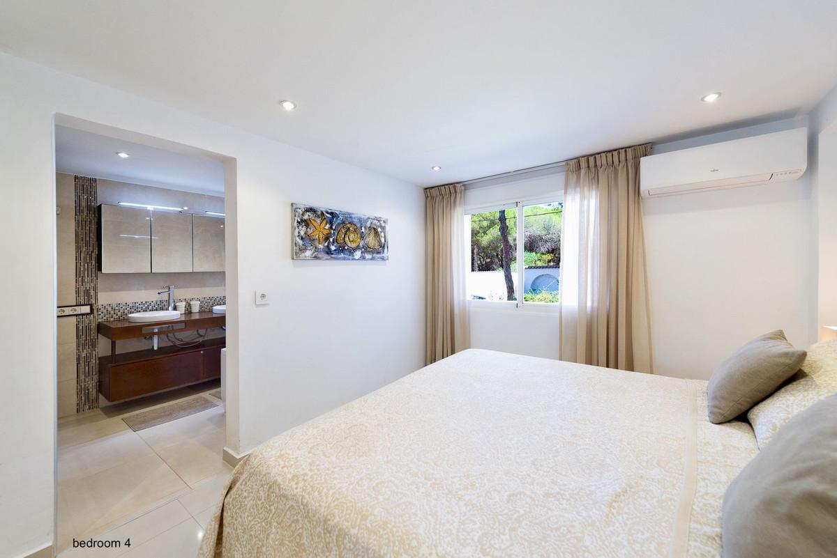 Villa con 9 Dormitorios en Venta Marbesa