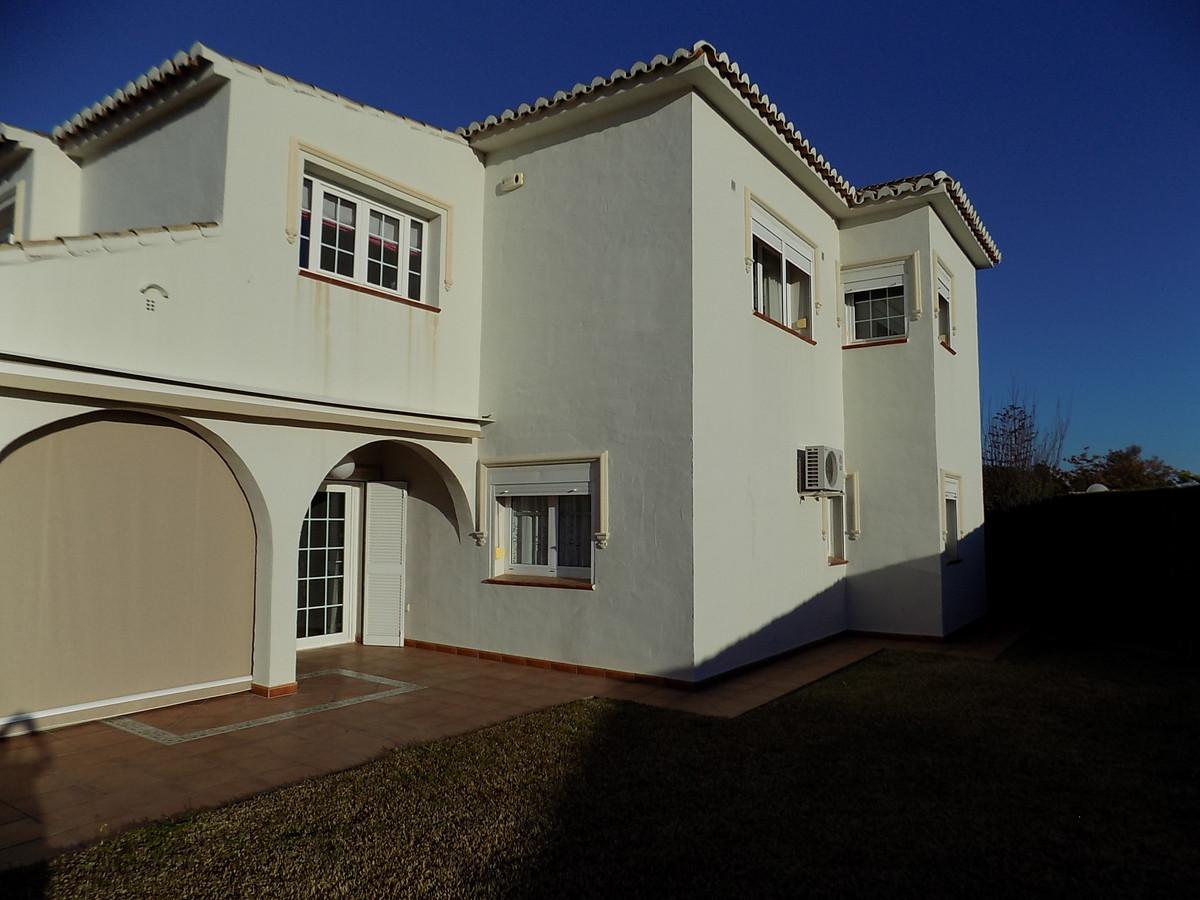 5 bedroom villa for sale calahonda
