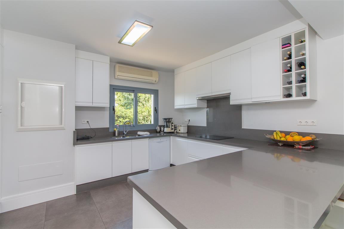 6 Bedroom Villa for sale Hacienda Las Chapas