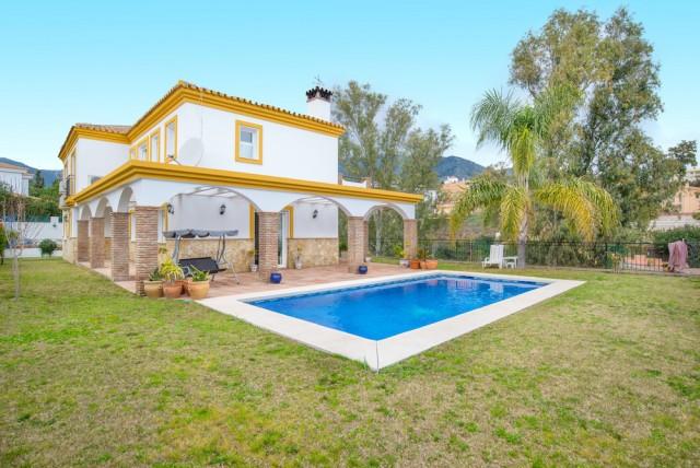6 bedroom villa for sale torreblanca