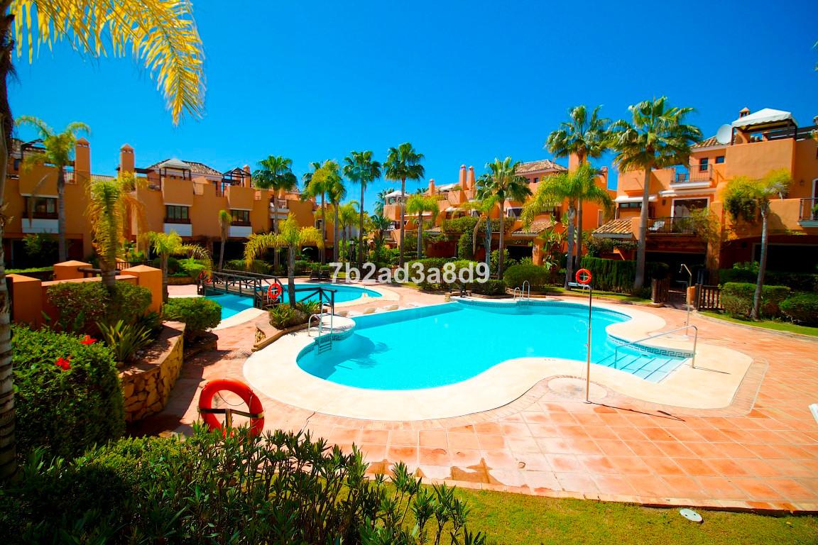 2 bedroom townhouse for sale bahia de marbella