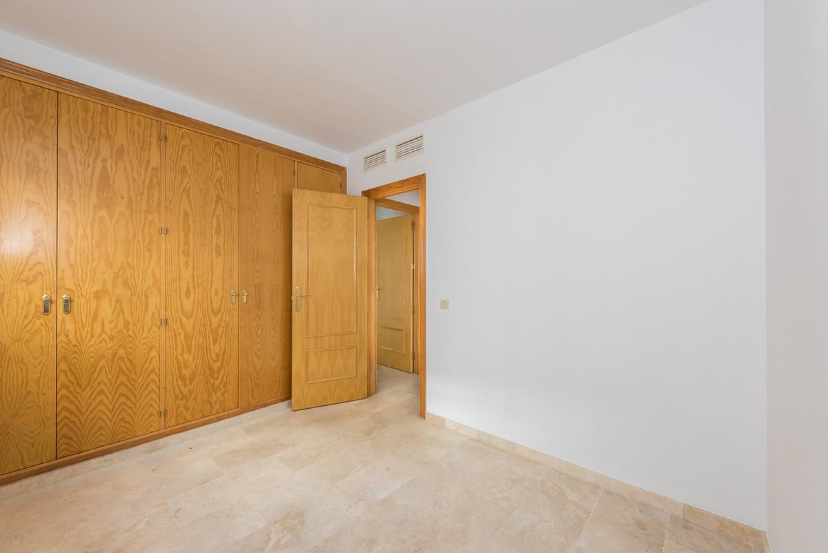 1 Bedrooms - 2 Bathrooms