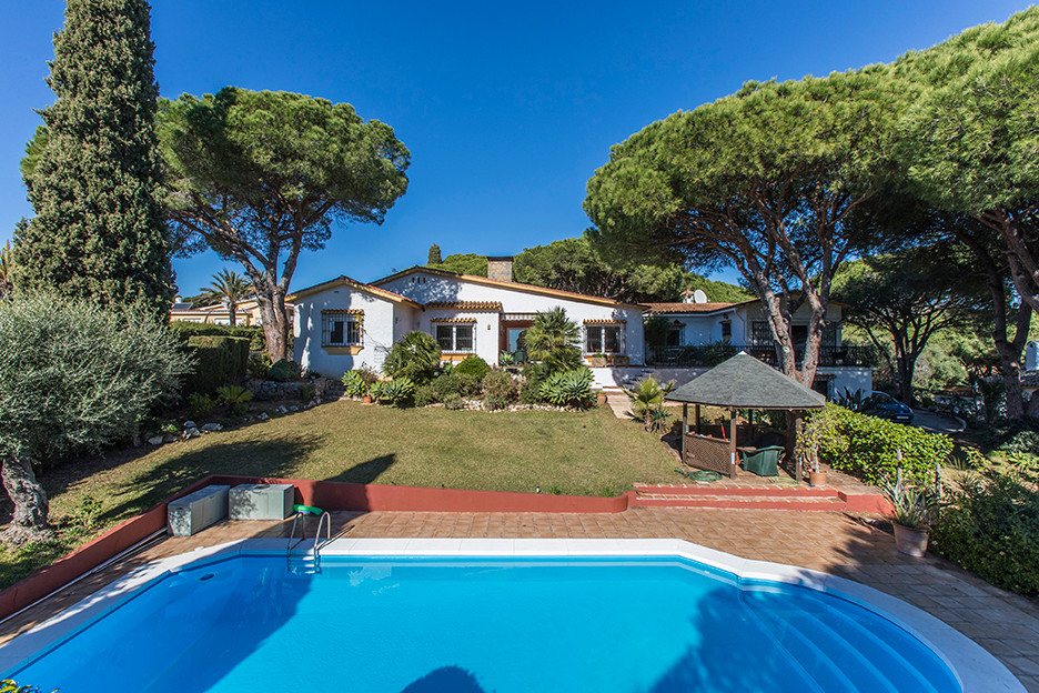 6 bedroom villa for sale calahonda