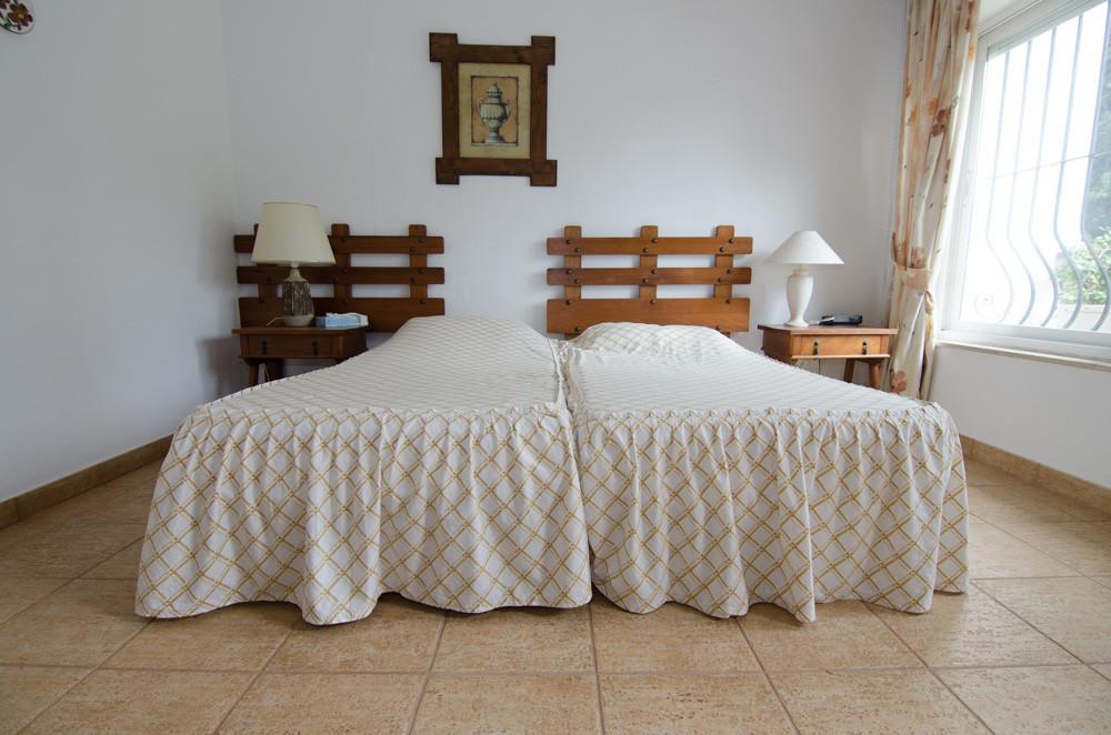 Unifamiliar con 2 Dormitorios en Venta Benalmadena