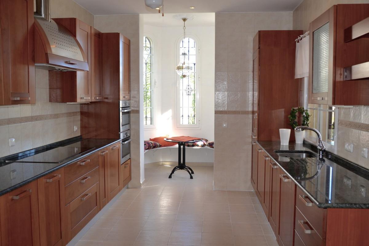 Villa te koop in Nueva Andalucía R2786287