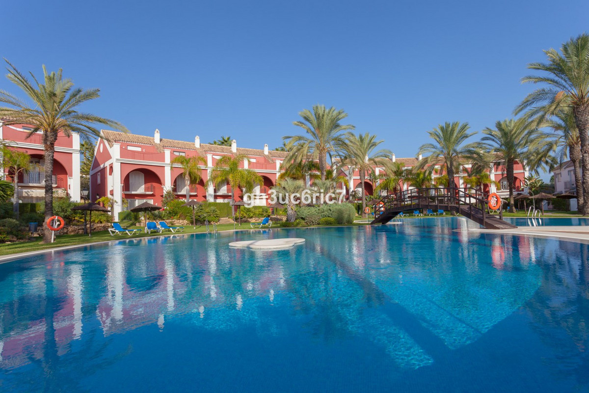 Rijhuis Te Koop - Bahia de Marbella