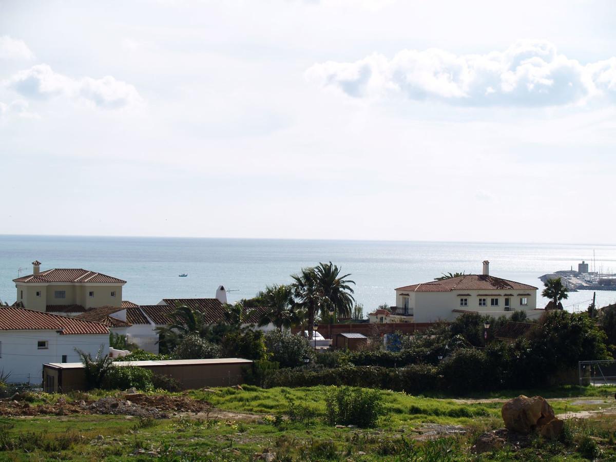 Terreno Urbano en Torreguadiaro