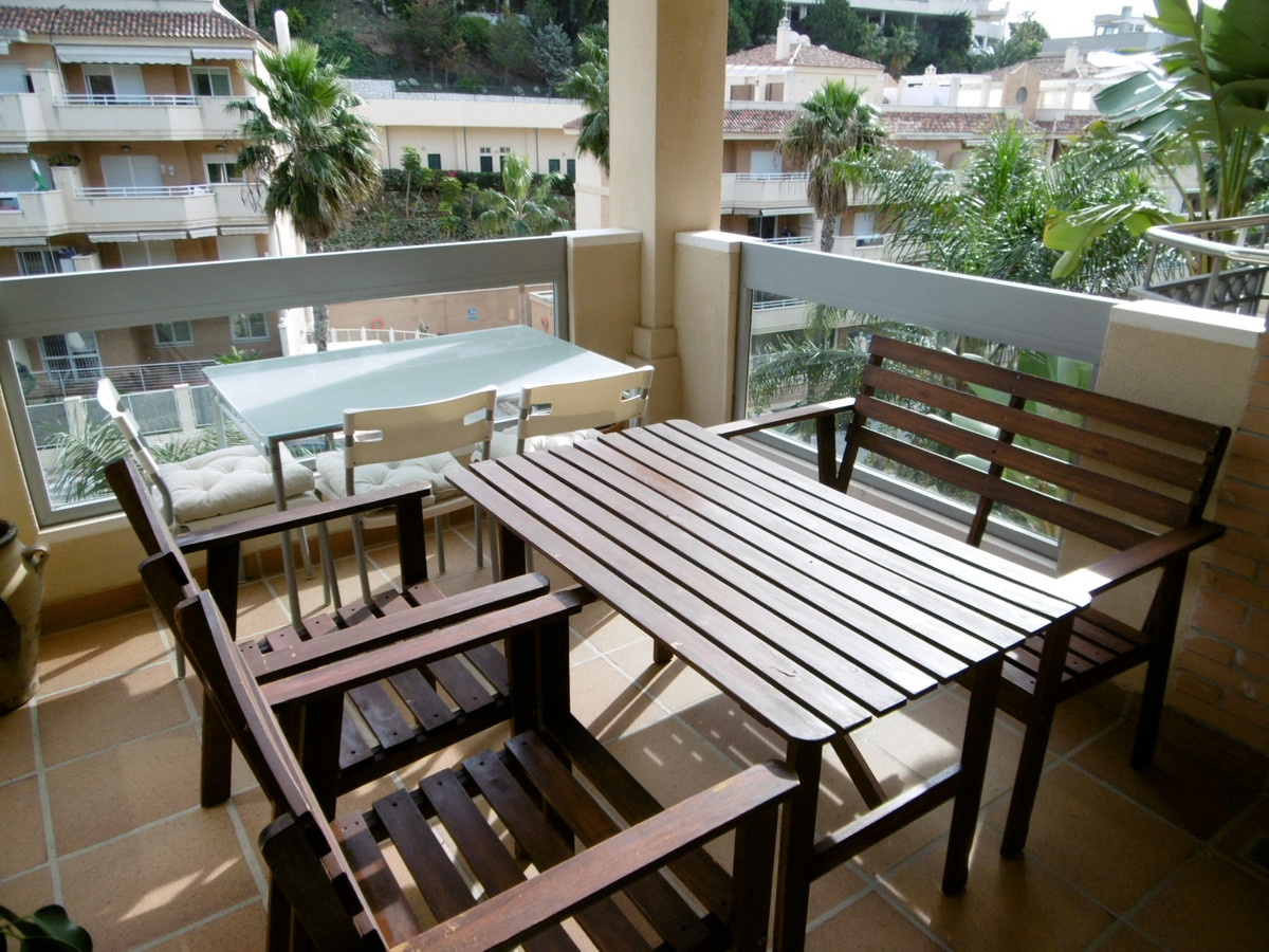 6 bedroom townhouse for sale torrequebrada