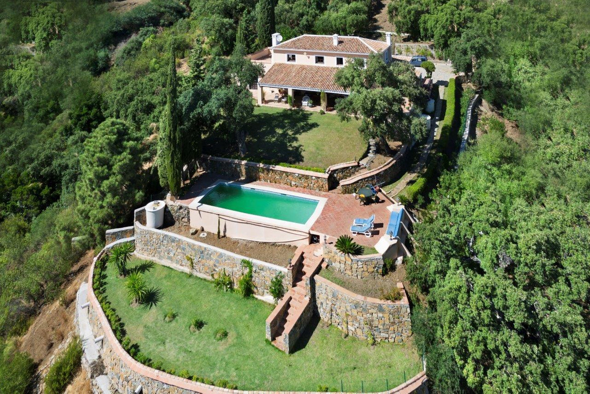 4 Bedrooms Villa in El Madroñal