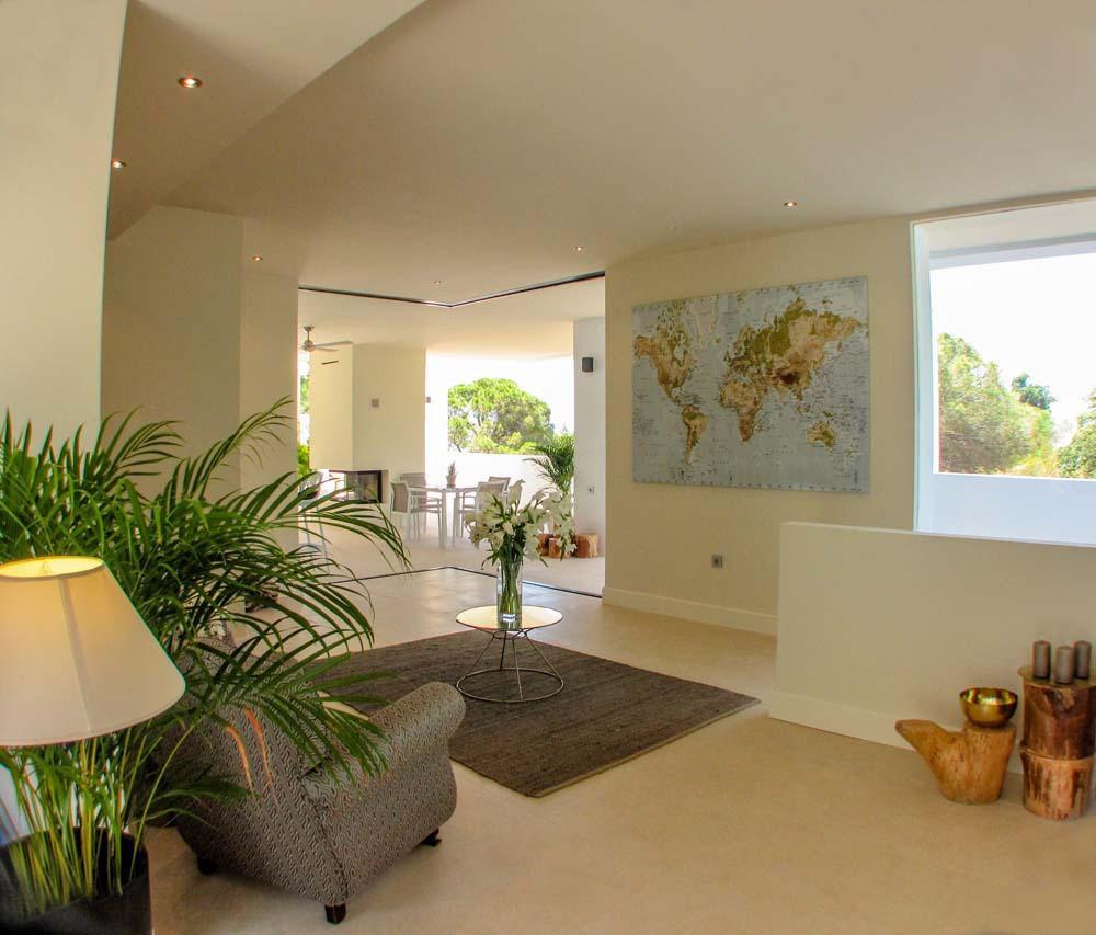 9 Bedroom Villa for sale Elviria