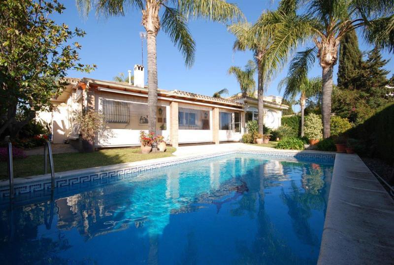 Villa con 4 dormitorios - Guadalmina Alta