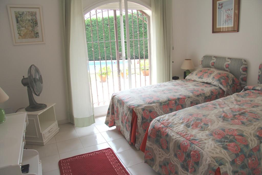 Villa te koop in Benahavís R2947310