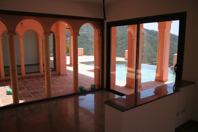 Villa te koop in Benahavís R2230886