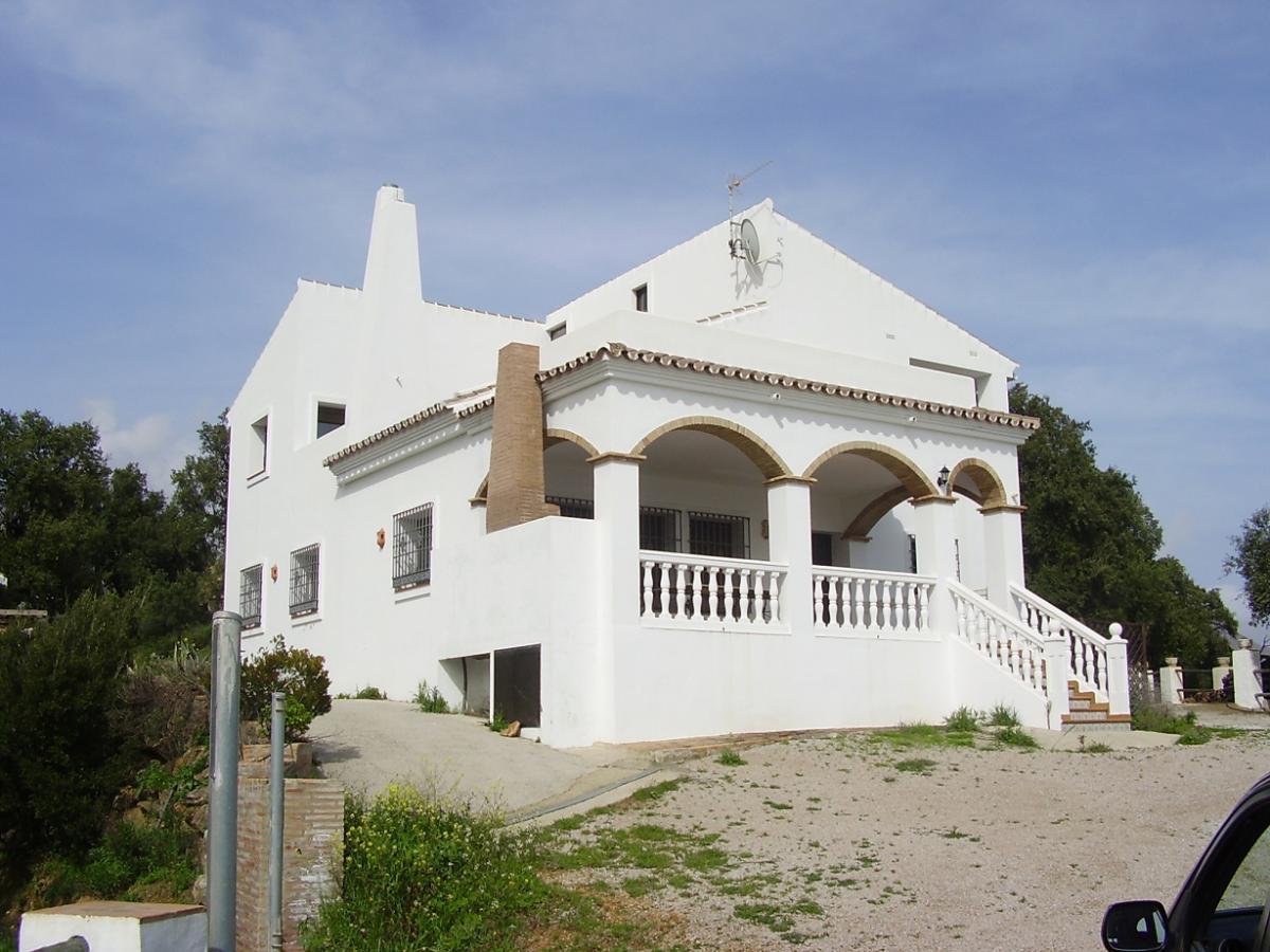 5 bedroom villa for sale casares
