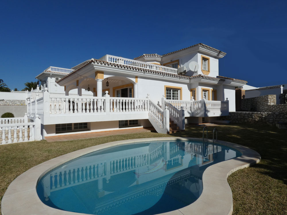 4 bedroom villa for sale benalmadena