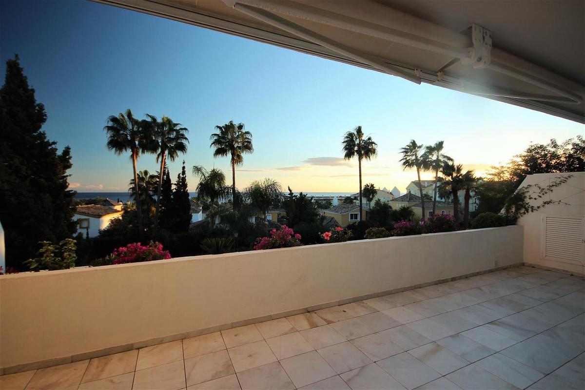 2 bedroom apartment for sale bahia de marbella