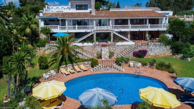 Villa 6 Dormitorios en Venta Campo Mijas