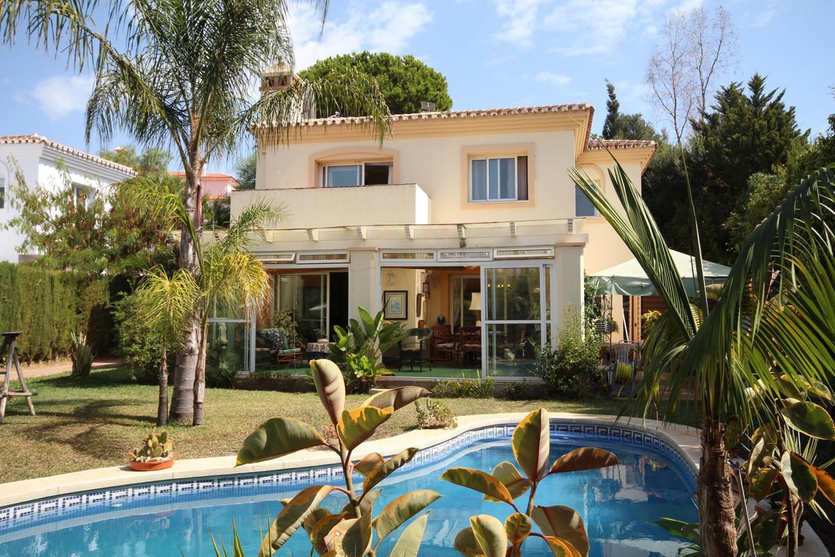 Villa con 3 dormitorios - Calahonda