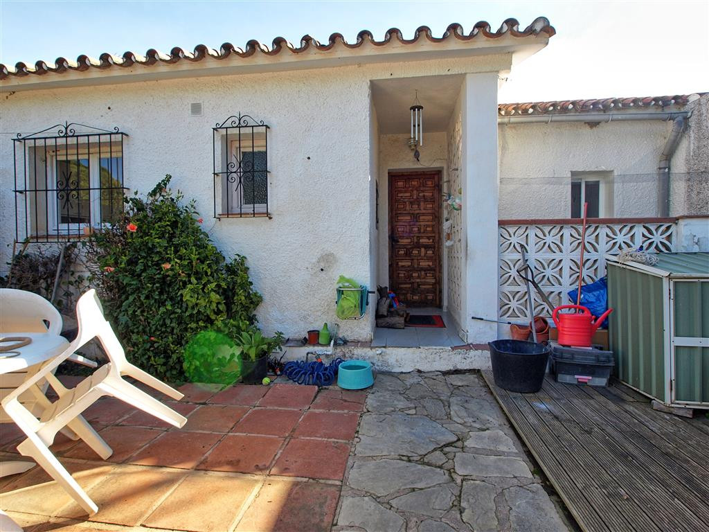 Apartamento en Venta en Elviria