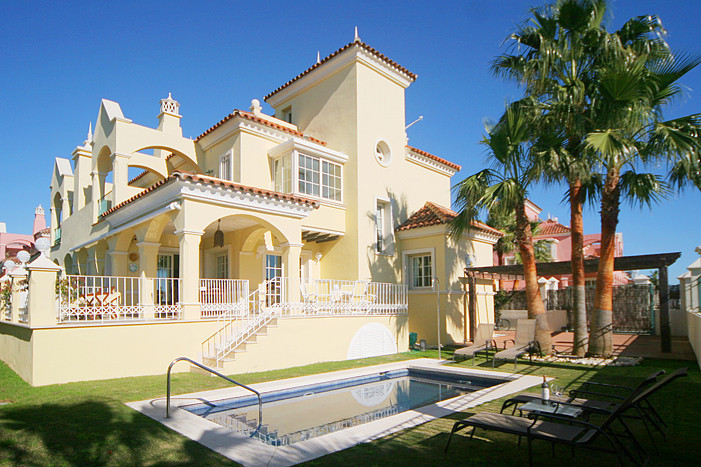 Detached Villa for sale in Puerto Banús R83131