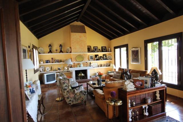Villa con 5 Dormitorios en Venta La Quinta