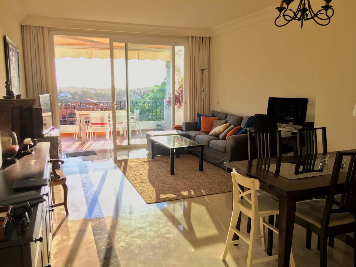 2 Bedroom Apartment for sale Benahavís