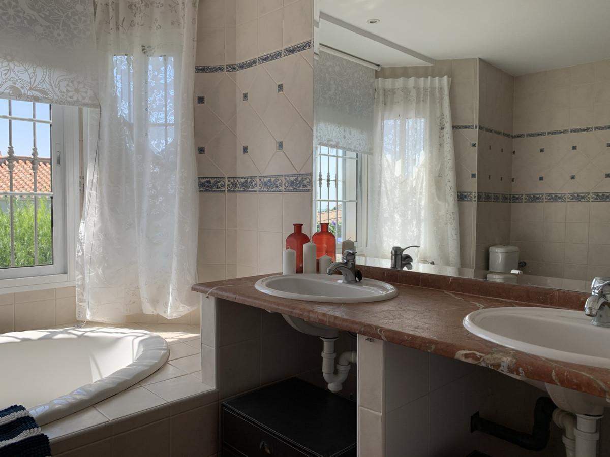 Villa te koop in Marbella R2511773