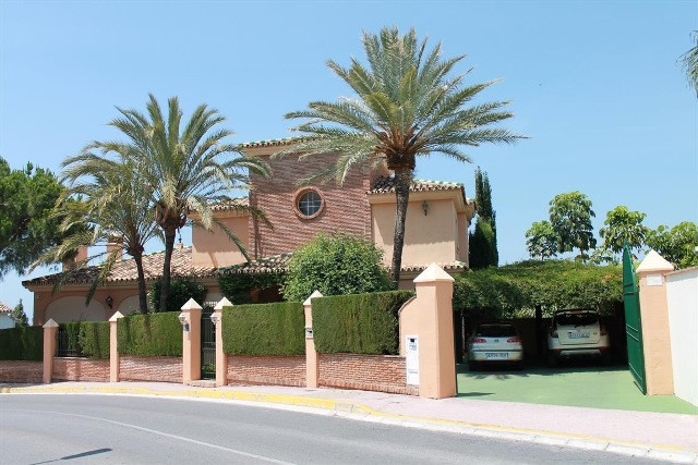 Villa Te Koop - Calahonda