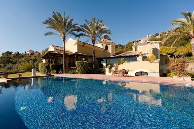 4 Bedrooms Villa For Sale