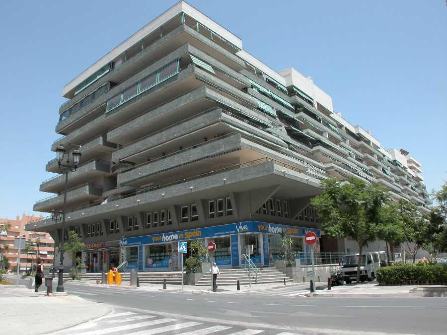 Apartamento con 4 dormitorios - Fuengirola