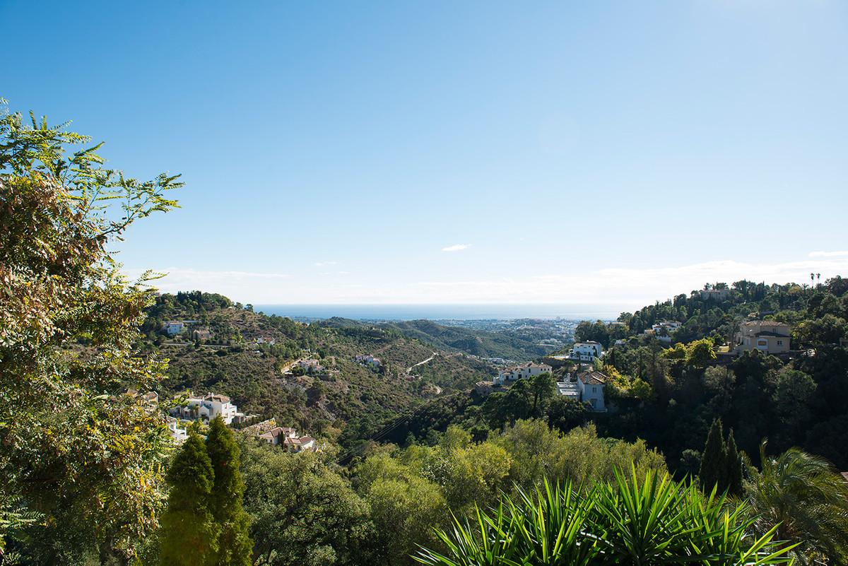 Land For sale In El madroñal - Space Marbella