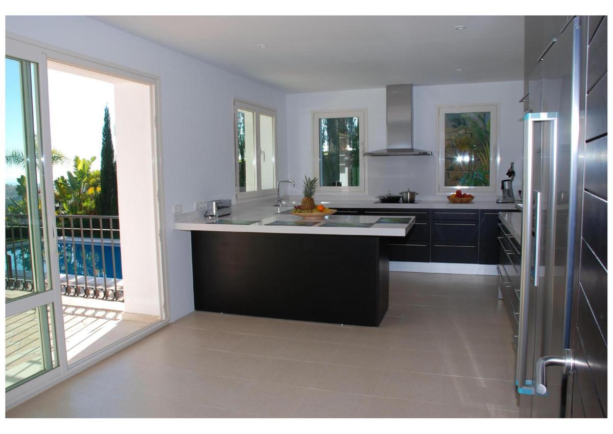 Villa te koop in Benahavís R2873360