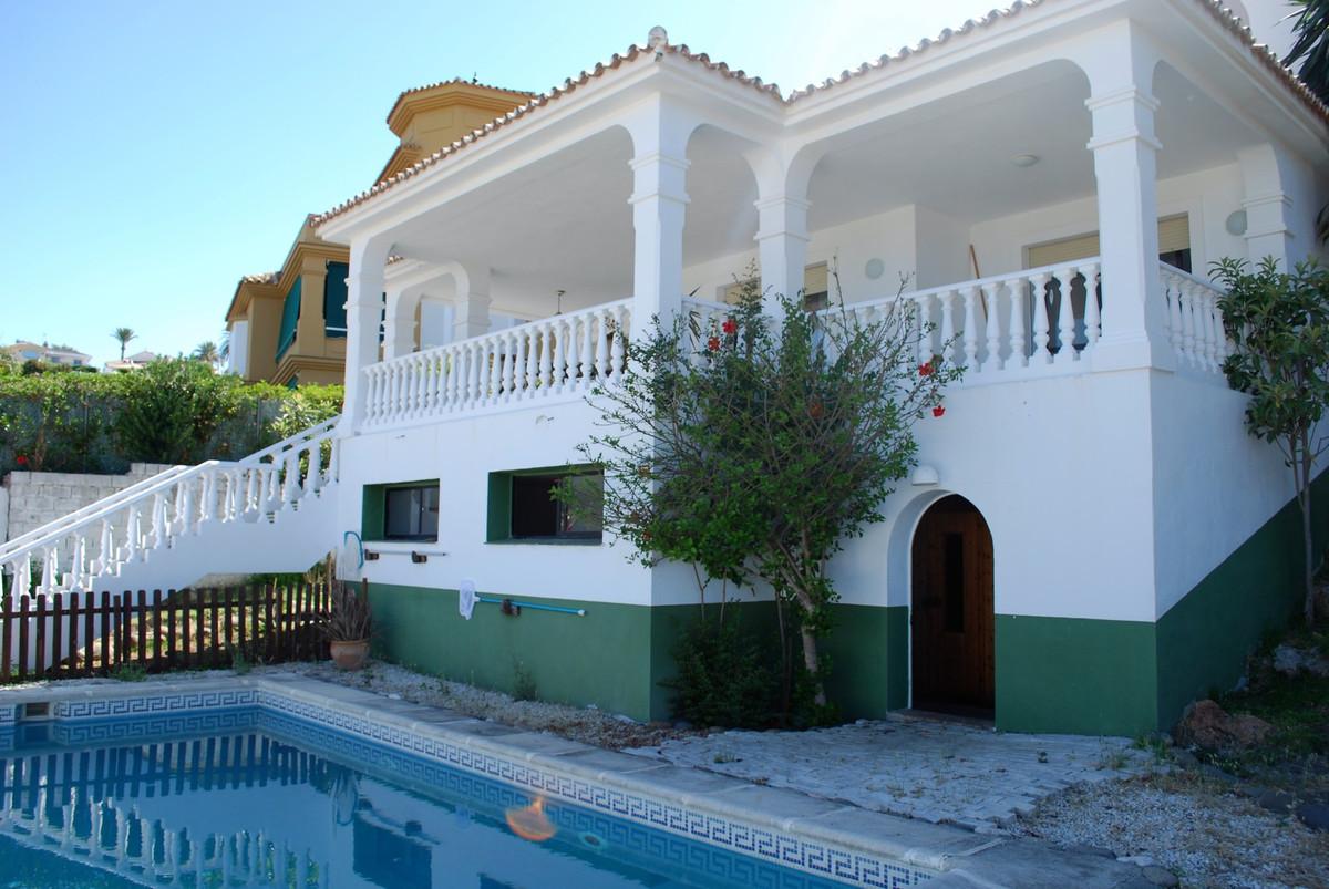 Villa Te Koop - La Campana