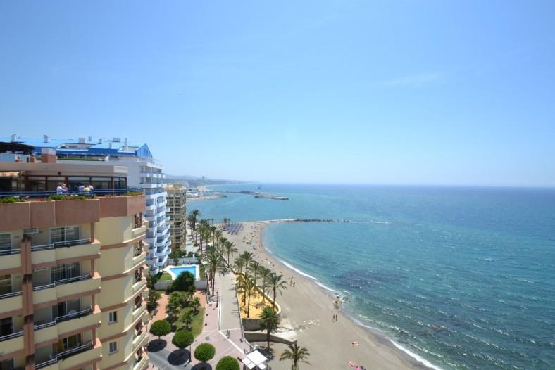 Apartamento con 2 dormitorios - Marbella