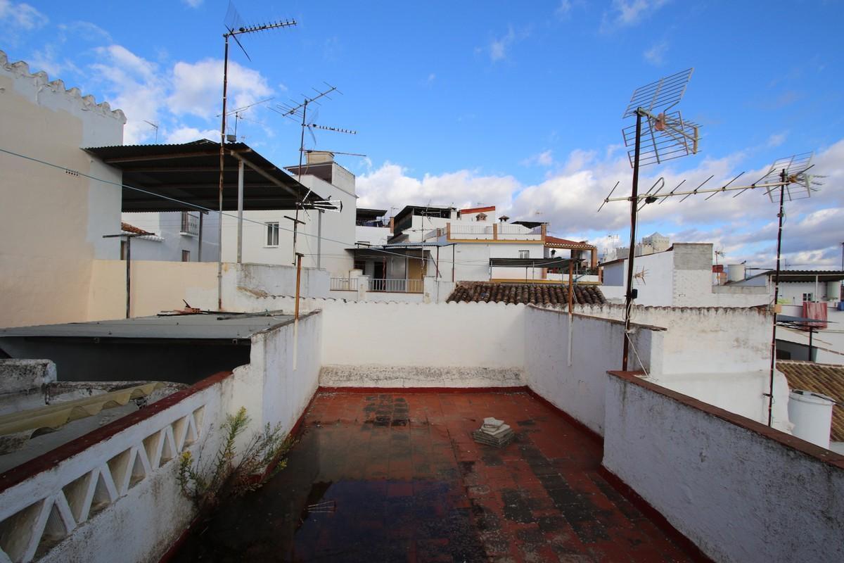 Rijhuis te koop in Guaro R2777930