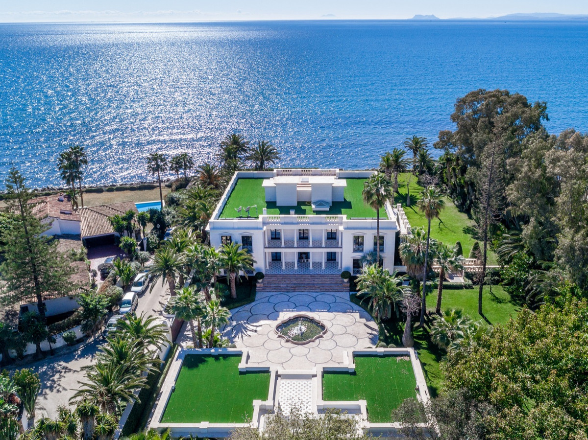 8 bedroom villa for sale guadalmina baja