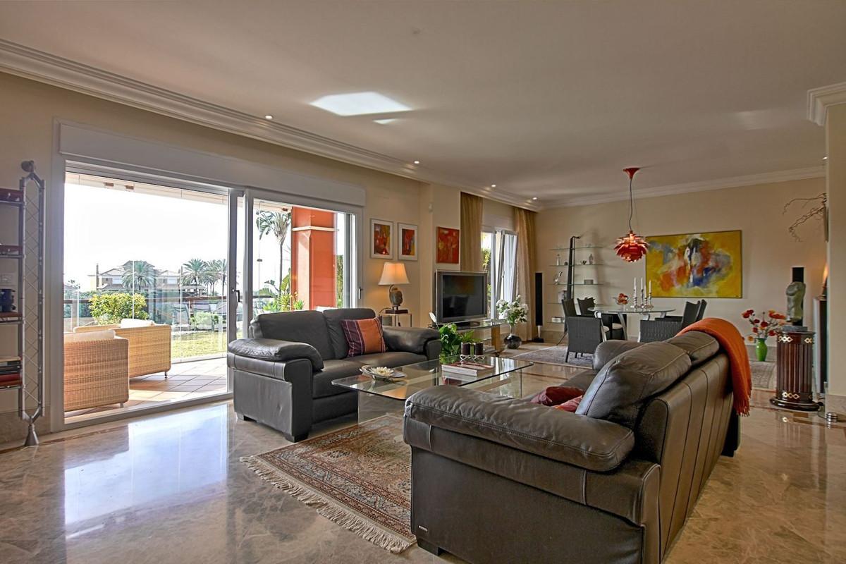 Villa con 3 Dormitorios en Venta Santa Clara