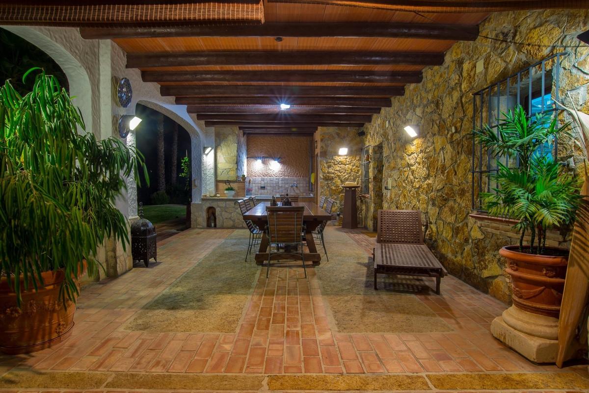 5 Bedroom Detached Villa For Sale Alhaurín el Grande