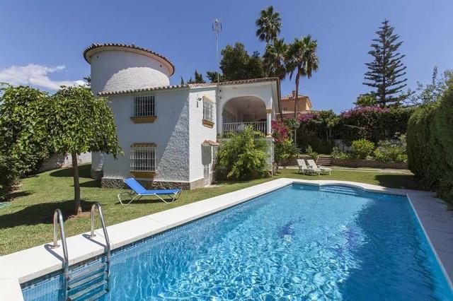 Chalet 4 Dormitorios en Venta Marbella