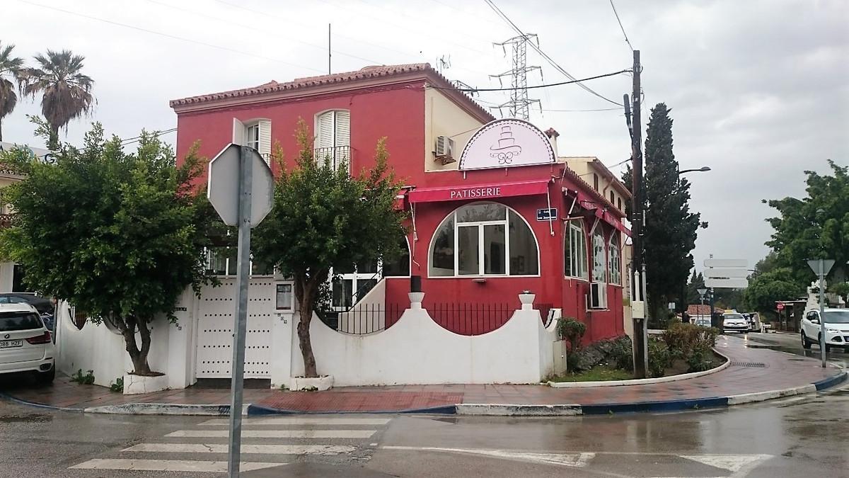 Commercieel Te Koop - Nueva Andalucia