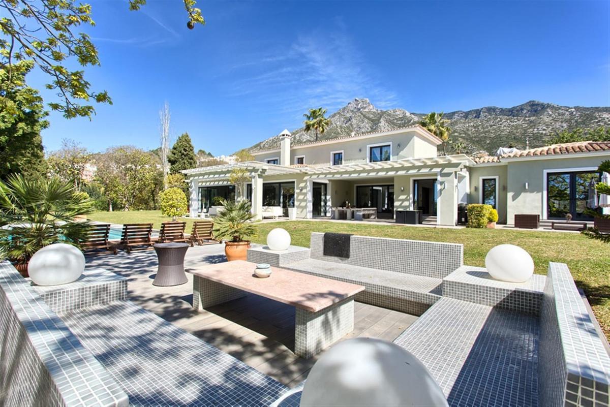6 bedroom villa for sale nagueles