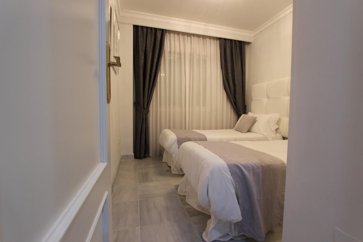 2 Bedroom Ground Floor Apartment For Sale Puerto Banús