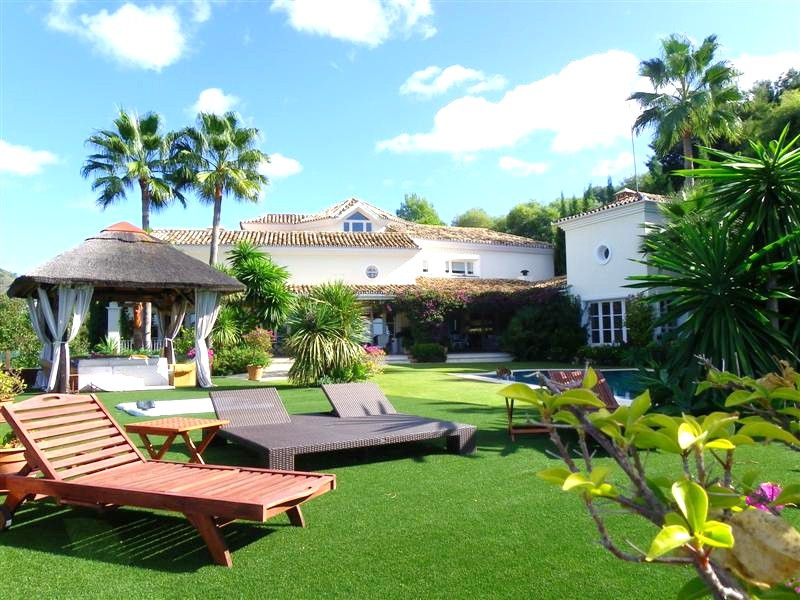6 Bedrooms Villa For Sale