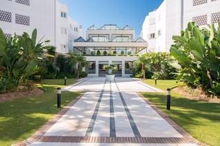 Apartamento con 3 dormitorios - Puerto Banús