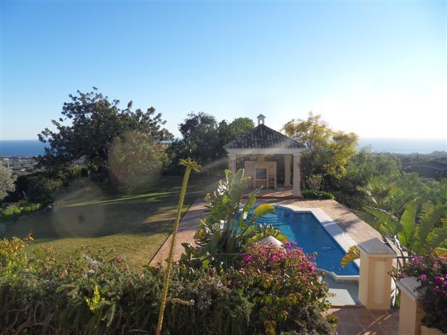House in Los Monteros R1934523 10