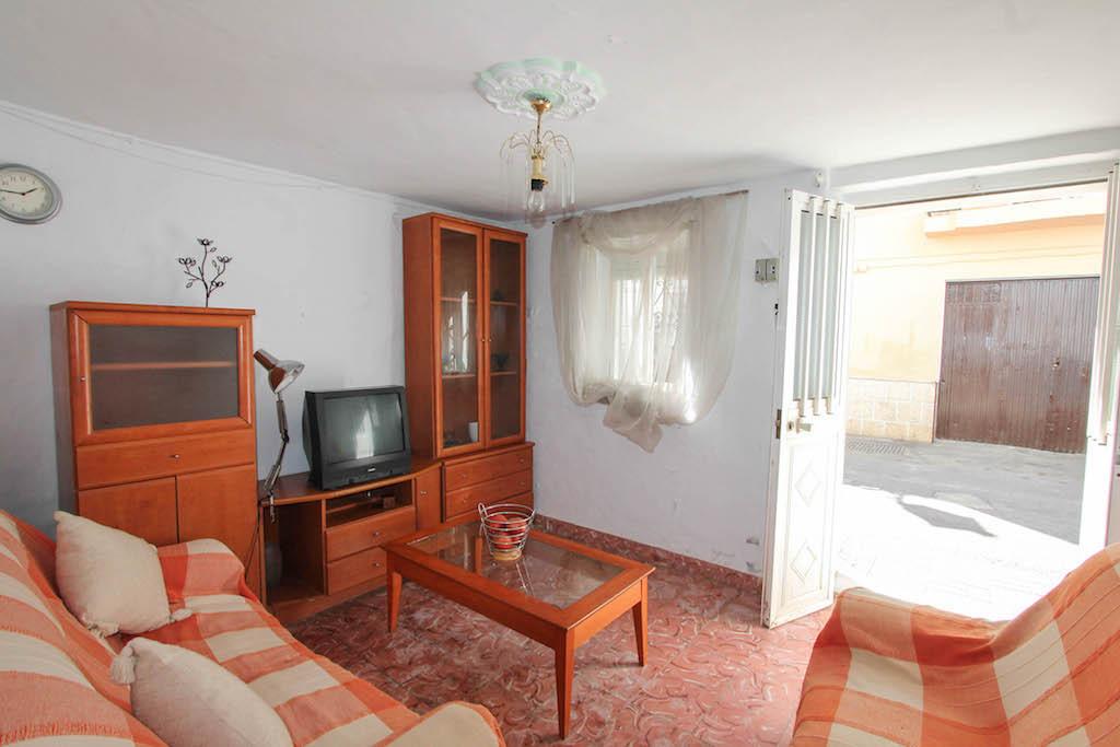 3 Dormitorios - 2 Baños