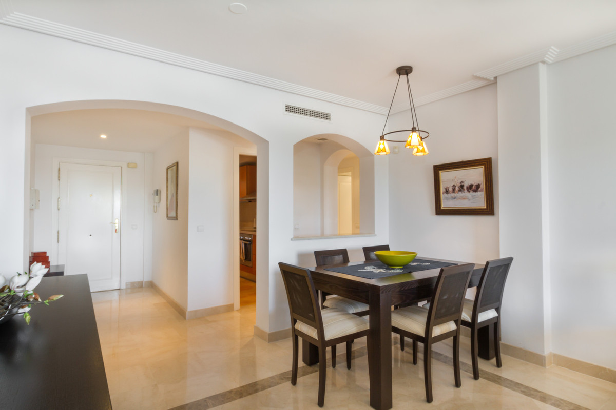 3 Bedroom Middle Floor Apartment For Sale Los Arqueros