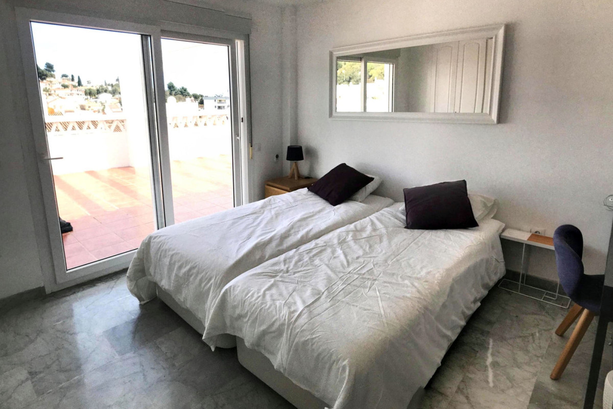 5 Bedroom Penthouse Apartment For Sale Nueva Andalucía