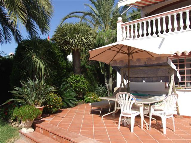 Chalet con 4 dormitorios - Marbella